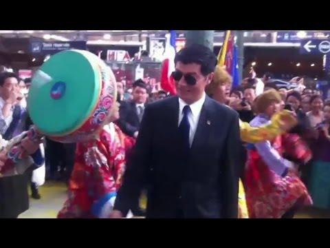 Sikyong Lobsang Sangay welcomed in Paris