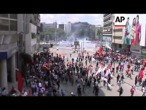 Clashes continue in Istanbul and Ankara