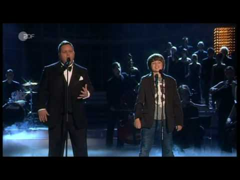 Paul Potts & Dennis — «Mamma» — live German-TV 10/05/2009