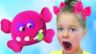 Learn Colors with Magic KINETIC SAND, Kinetic Sand Baby Learn how to Play, Super Simple Song