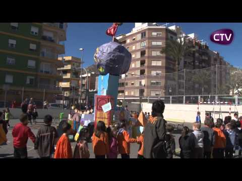 ELS COL.LEGIS DE CULLERA CREMEN LES SEUES FALLETES