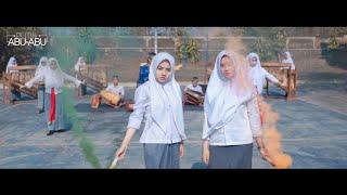 Download lagu Weird Genius - Lathi (ft. Sara Fajira) Cover Putih Abu-abu x Sanggar Smansaku x Sanggar Bina Budaya