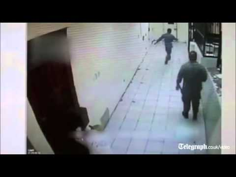 Prisoners open fire on rival drug gang in Mexico jail