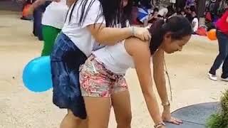 Dekho Girls Sexy Games Khell Rahi Hai||