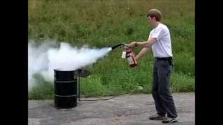 COMO USAR UN EXTINTOR - HOW TO USE A FIRE EXTINGUISHER