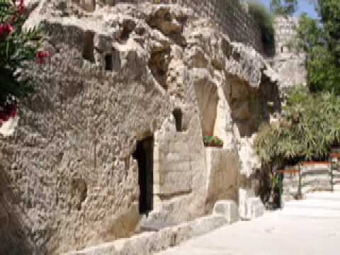 Garden Tomb Tour Guide Explains Resurrection and Jewish Law