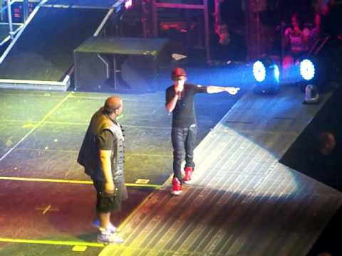 Justin Bieber And Sean Kingston Eenie Meenie - Live - Tulsa, Ok At Bok Center video