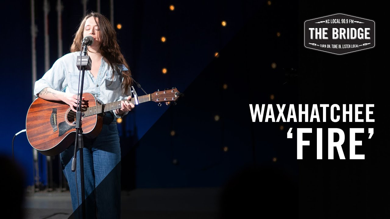 "Waxahatchee - 「90.9 FM The Bridge」が""Fire""のギター弾き語り映像を公開 新譜「Saint Cloud」2020年3月27日発売予定 thm Music info Clip"