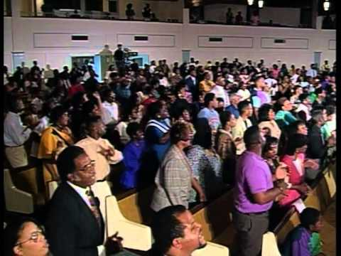 """Sunday Morning Medley"" - Georgia Mass Choir"