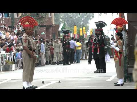 Pakistan-India flag down ceremony at Wagah Border! very funny!