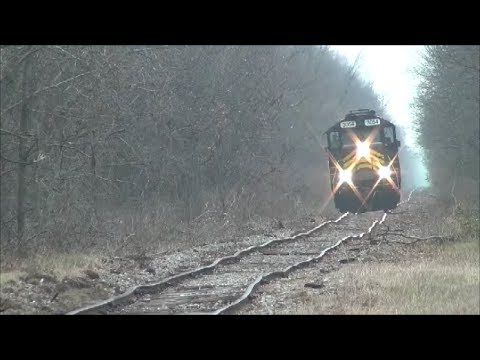 ND&W 3054 wobbles down the bad track