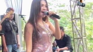 download lagu Indah Pada Waktunya- Dewi Persik  Lyric  Soundtrack gratis