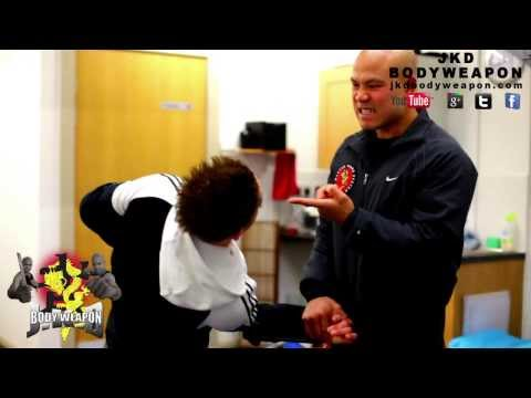 jkd techniques   Wrist locks Q18 Image 1