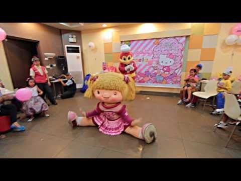 Jollibee Dancing video