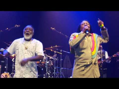 Freddie Mcgregor and Luciano - Jah Live