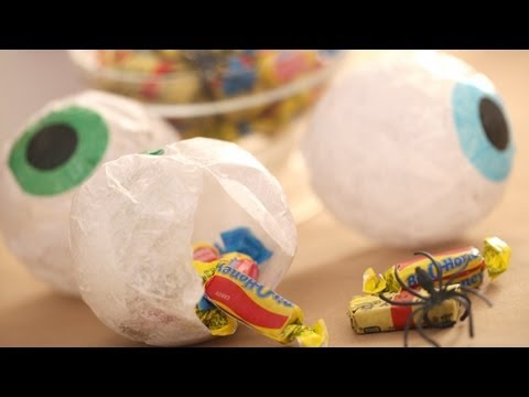 How to Make Halloween Treat Eyeballs || Kin Parents
