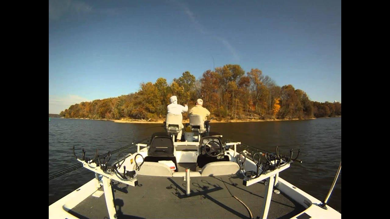 Lake barkley crappie fishing oct youtube for Barkley lake fishing report