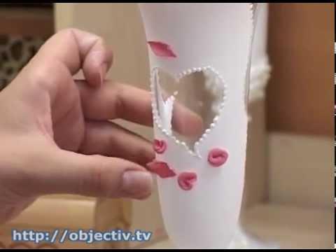 Учительница создает свадебные букеты на стекле