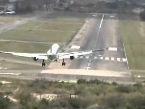 American Airlines Boeing 757 Crazy Landing in Honduras