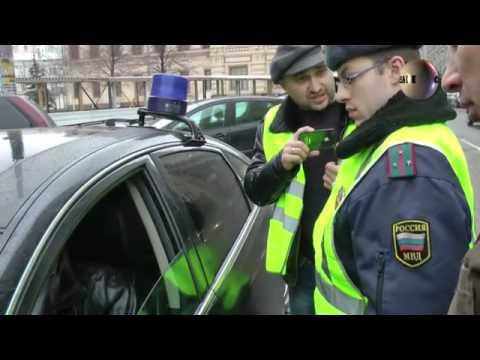 Водитель автомобиля с мигалкой напал на оператора