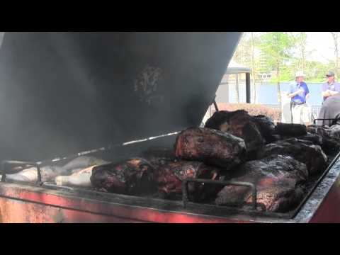 Dre's Place BBQ Cooking with Big Red at Food Truck Wars