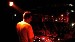 """SKREAM'S REMIX OF """"LA ROUX - IN FOR THE KILL"""" LIVE @ UNTITLED ANTWERP"""