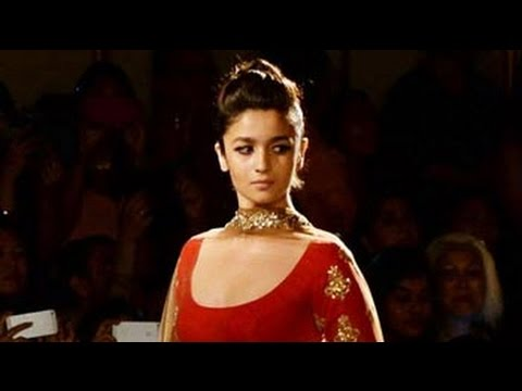 Amitabh Bachchan Is My Fashion Icon: Alia Bhatt video