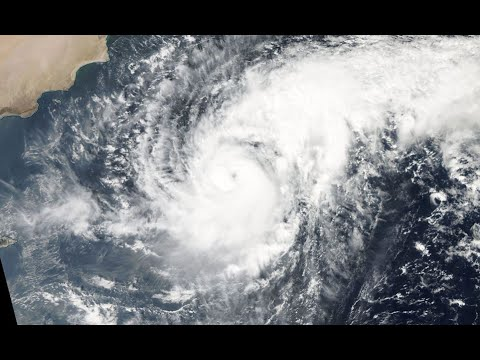 Cyclone Nilofar intensifies over the Arabian Sea - Update #1 (10/28/14)