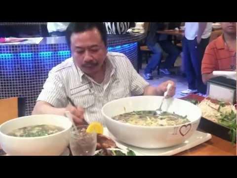 MC VIET THAO- AIRCRAFT CARRIER PHO- PHỞ HÀNG KHÔNG MẪU HẠM.