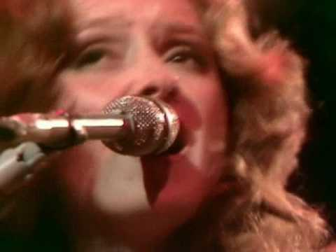 Bonnie Raitt - Walk Out The Front Door Montreux 1977 video