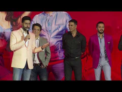 Reporter Tries To INSULT Abhishekh Bachchan But Abhishek INSULTS Him Back