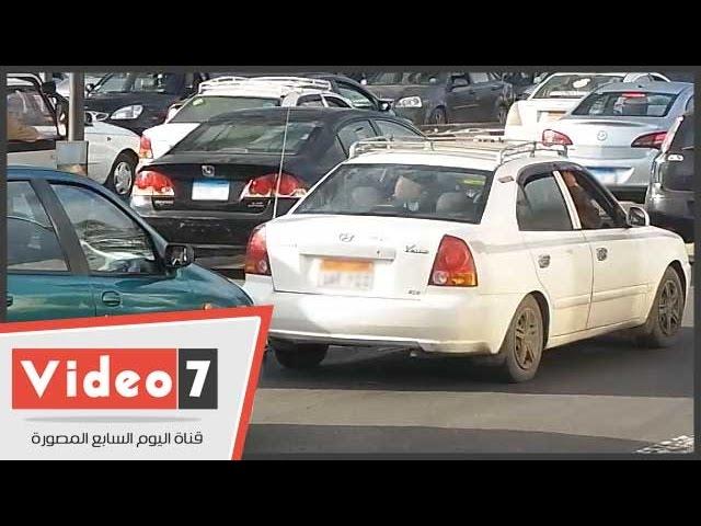 """بالفيديو.. سائقو الميكروباص والتاكسى عن قانون المرور الجديد: """"ليه نأخد مخالفة على حاجة هايفة"""""""