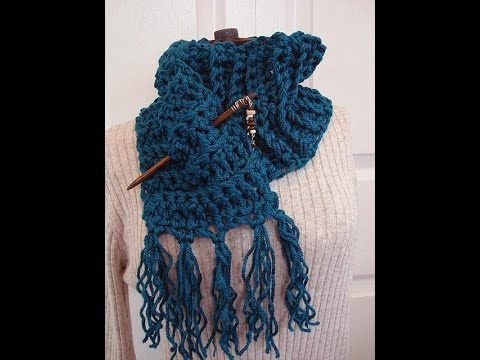 Crochet Scarf Patterns Youtube : DIY CHUNKY CROCHET FRINGED SCARF, how to diy, free pattern - YouTube