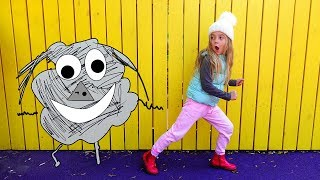 Girl Pretend Play with Kids Drawing for Children