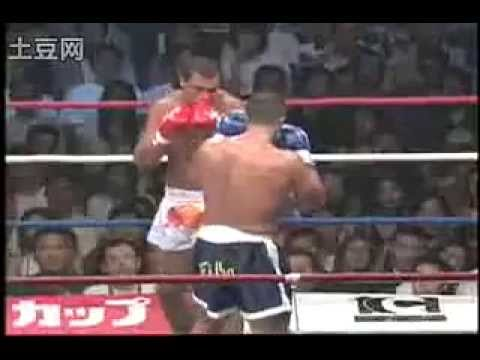 A lesson of Kyokushin leg kicks: Francisco Filho (Kyokushin) vs Cyril Abidi (Muay Thai/Boxing) Image 1