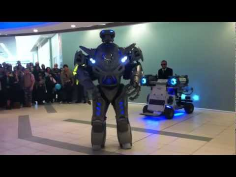 TITAN THE ROBOT.mp4