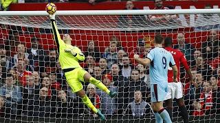 Top 10 - Premier League Saves • 2016/17