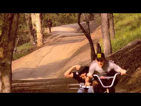 Brakeless Sidehack downhill BMX Greyboy & Truly Odd  high speed corners