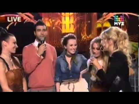 Иван Ургант и Ксения Собчак поздравляют группу  ВиаГра  на Премия Муз Тв 2010