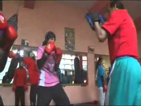 Afghan female boxers fighting for medal in London 2012 Olympics