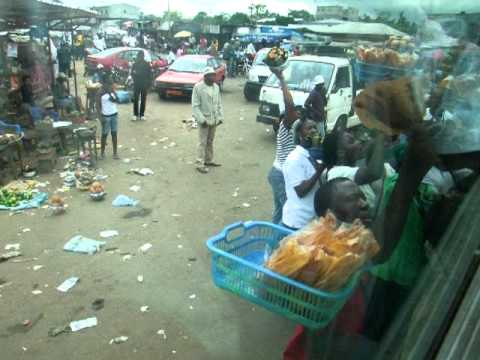 1185 Selling goods on the road between Douala and Yaounde in Cameroon