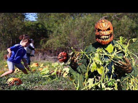 Scary Pumpkin Patch Killer Halloween Prank
