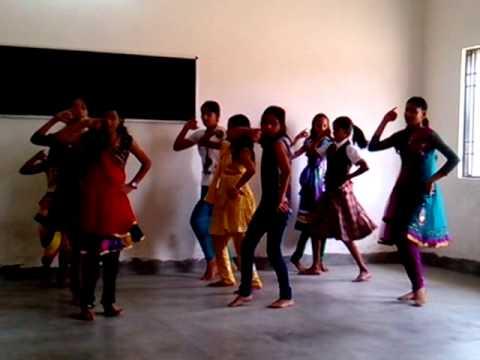 Radha Teri Chunri By J.k. Mittal Academy Girls (deoria) video