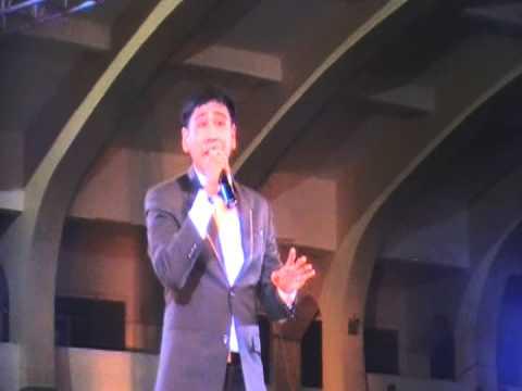 "Mark Anthony Atienza singing ""You Raise Me Up"" @ the Quirino Grandstand-Black Nazarene"