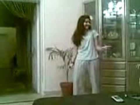 Lahori School Girl Mujra.mp4