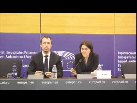 EU concerned about freedoms in Turkey, says door still open