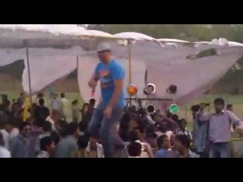Rapper Ansh Live Performed wid Lovable Crowd Angreji Beat te...