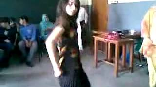 Lakki marwat girl dance (roman khan
