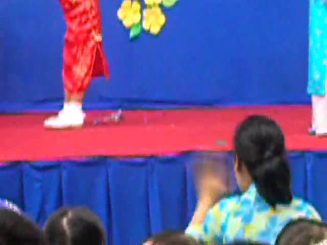 Banh Chung Xanh - Gia Nghi Canh Dan 2010.mpg