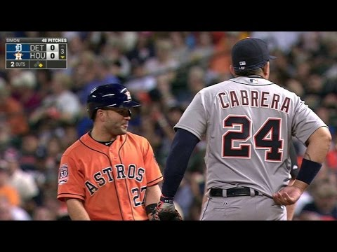 Altuve, Cabrera untuck each other's jerseys